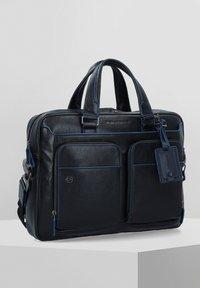 Piquadro - Briefcase - black - 0