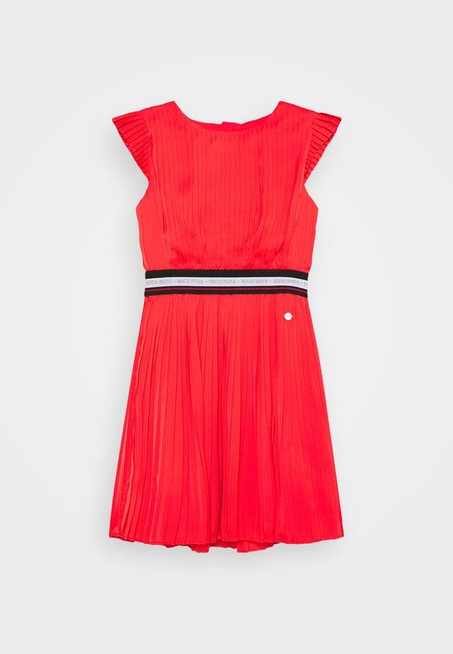 DRESS - Robe de soirée - red