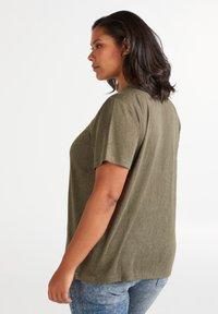 Zizzi - MAMY - Basic T-shirt - ivy green - 2