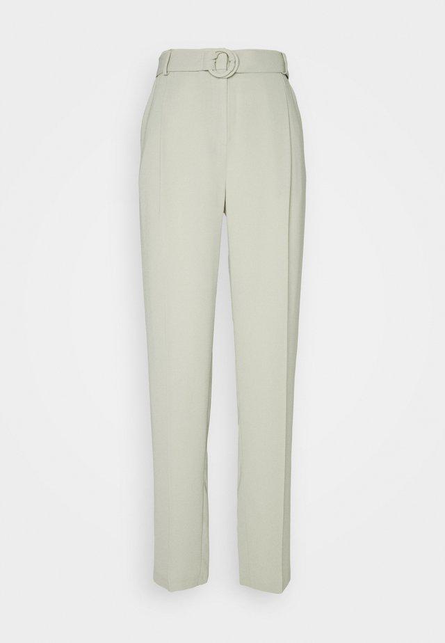GEO BUCKLE DETAIL TROUSER - Pantalon classique - sage