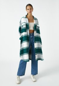 PULL&BEAR - Button-down blouse - green - 1
