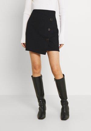 VMTYRA SHORT SKIRT - Minifalda - black