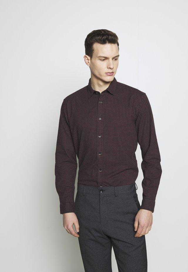 COSY  - Shirt - garnet red