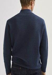 Massimo Dutti - COTTON/SILK MOCK - Sweatshirt - dark purple - 1
