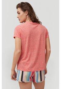 O'Neill - Basic T-shirt - hot coral - 2