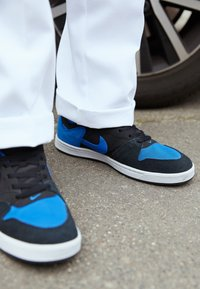 Nike SB - ALLEYOOP UNISEX - Skate shoes - black/royal blue - 2
