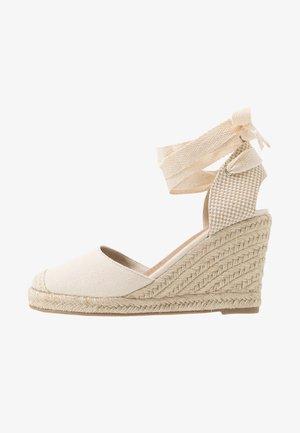 JARDAN TIE UP  - Sandály na vysokém podpatku - stone