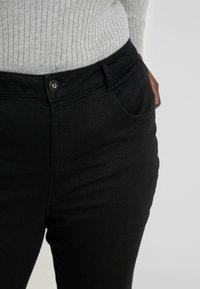 Dorothy Perkins Curve - ELLIS - Jeans bootcut - black - 4