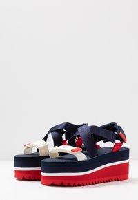 Tommy Jeans - POP COLOR FLATFORM SANDAL - Sandály na platformě - twilight navy - 4