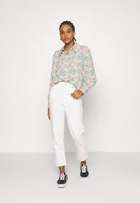 Monki - NALA BLOUSE - Košile - light green - 1