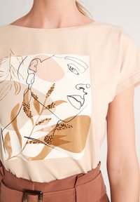 comma - Print T-shirt - shell placed print face - 3