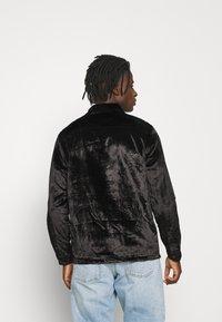 Topman - OXBLOOD - Formal shirt - black - 2