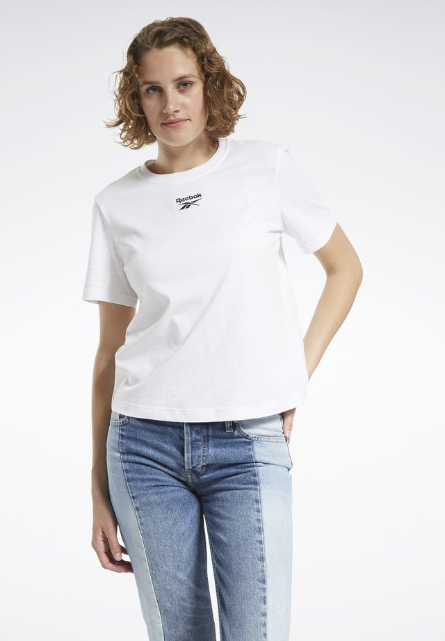 CLASSICS SMALL LOGO T-SHIRT - Basic T-shirt - white