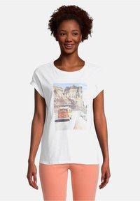 Cartoon - Print T-shirt - white/nature - 0