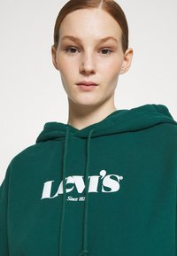 Levi's® - GRAPHIC STANDARD HOODIE - Sweat à capuche - forest - 3