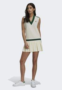 adidas Originals - TENNIS LUXE DRESS ORIGINALS - Blousejurk - off white - 1
