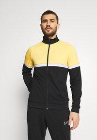Nike Performance - ACADEMY SUIT - Träningsset - black/saturn gold/white - 0