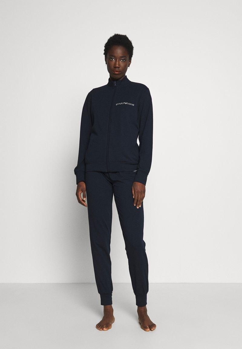 Emporio Armani - JACKET AND PANTS WITH CUFFS SET - Pyjama set - blu navy