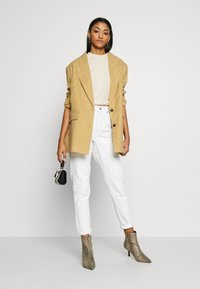 Topshop - MOM - Relaxed fit jeans - offwhite - 1