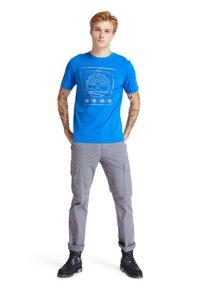 Timberland - KENNEBEC RIVER PUFF EFFECT GRAPHIC - Print T-shirt - nautical blue - 1