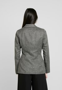 4th & Reckless - WASHINGTON WITH PLEATED DETAIL AND BUTTONS - Blazer - grey - 2