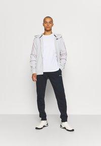 Champion - CREW NECK 2 PACK - Basic T-shirt - white/navy - 0