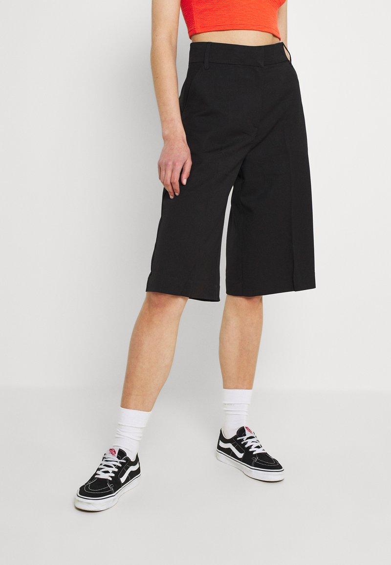 Monki - LUNA CULOTTE - Shorts - black dark