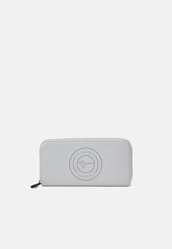 Wallet - white