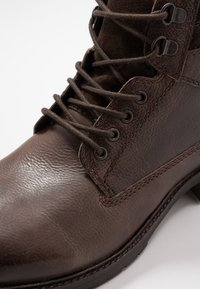 Base London - TREK - Lace-up ankle boots - brown - 5