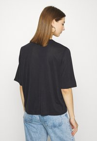 Monki - DORA - Basic T-shirt - black - 2