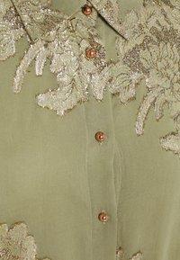 b.young - FVIDUN DRESS  - Shirt dress - swamp - 2