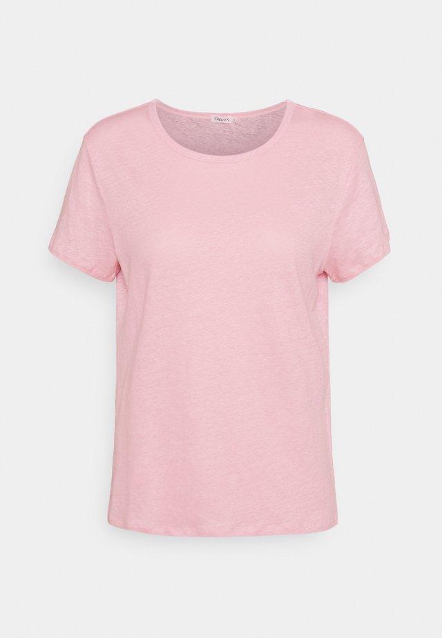 HAZEL TEE - Jednoduché triko - pink candy
