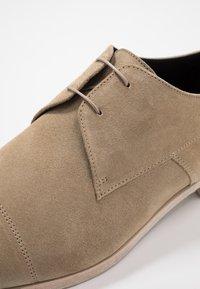 HUGO - MIDTOWN - Smart lace-ups - medium beige - 5