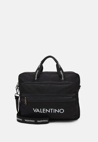 Valentino Bags - KYLO WORK BAG - Aktovka - nero - 0