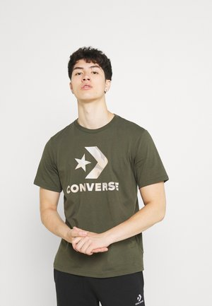 CAMO FILL GRAPHIC TEE - Print T-shirt - cargo khaki
