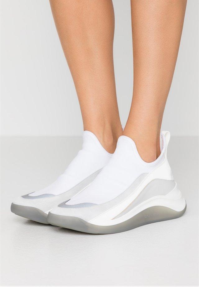 ESCHIMO - Zapatillas altas - bianco