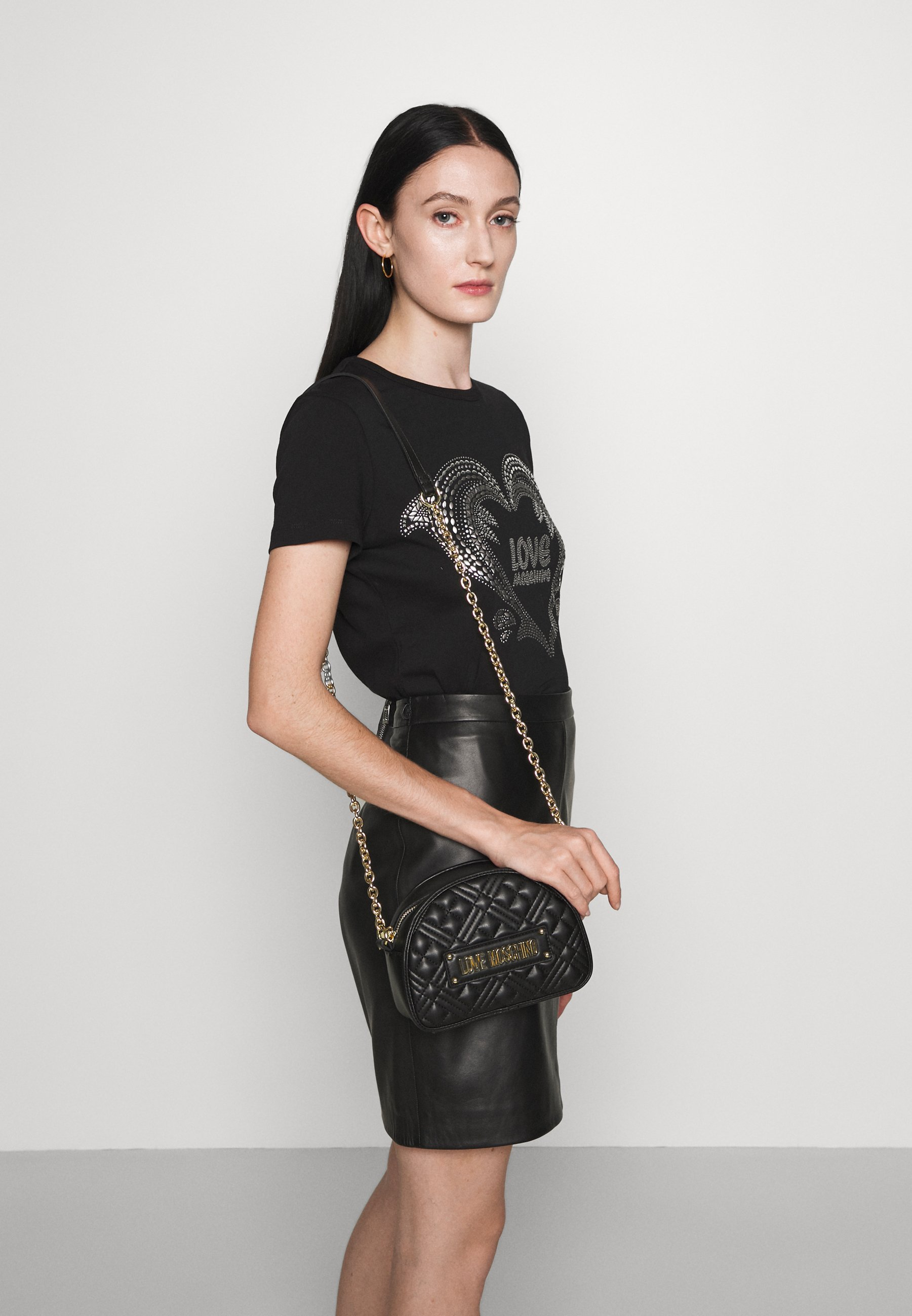 Women QUILTED DOME CHAIN CROSSBODY - Across body bag