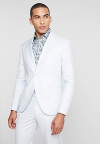 Isaac Dewhirst - WEDDING SUIT PALE - Oblek - light blue - 2