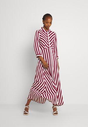 YASSAVANNA LONG SHIRT DRESS - Maxi šaty - tibetan red