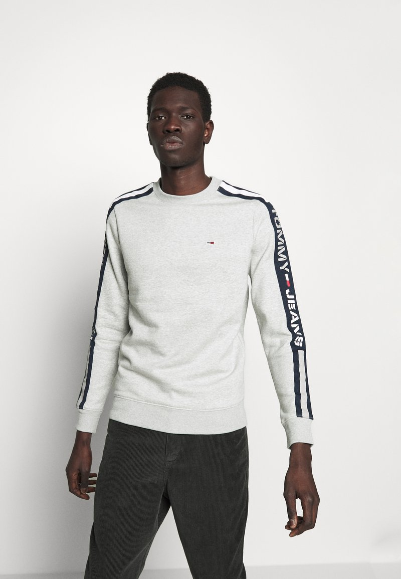 Tommy Jeans - BRANDED TAPE CREW - Mikina - grey