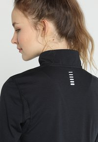 Under Armour - STREAKER HALF ZIP - Funktionstrøjer - black/black - 3