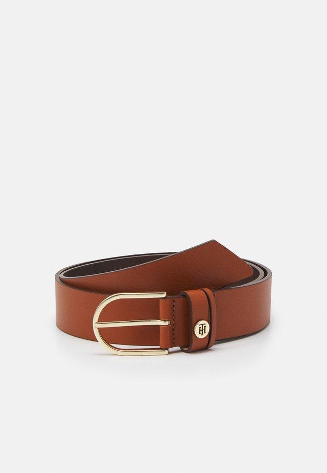 CLASSIC - Pásek - brown
