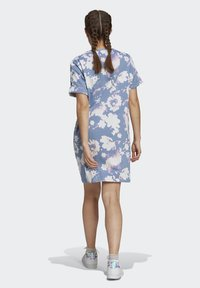 adidas Originals - ORIGINALS GRAPHICS DRESS RELAXED - Vestido ligero - multicolour - 2