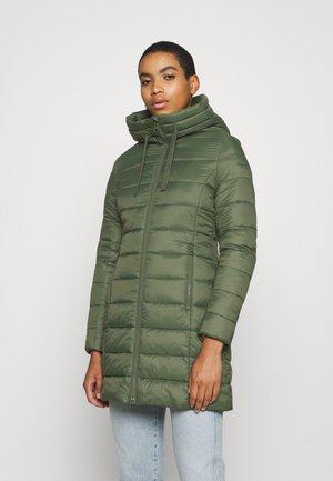 SHAPED FIT ZIPPER  - Winter coat - fresh moss