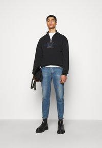 Han Kjøbenhavn - HALF ZIP - Sweatshirt - faded black - 1