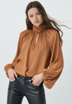 SPAIN INVERTED A - Blouse - beige