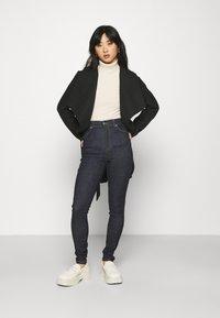 VILA PETITE - VICOOLEY COLLAR BELT COAT - Classic coat - black - 1