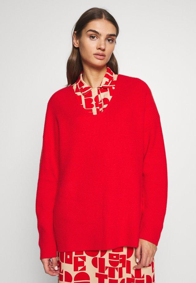 JUMPER - Stickad tröja - rot