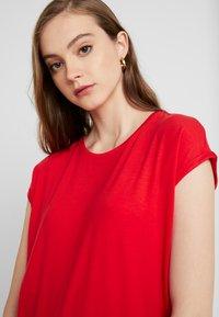 Vero Moda - VMAVA PLAIN - T-shirt basic - goji berry - 3