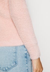 Guess - CANDACE  - Svetr - pretty in pink - 5